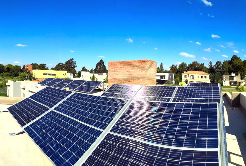 8 Kw de Energía Solar para una casa en Tristan Suarez, Buenos Aires